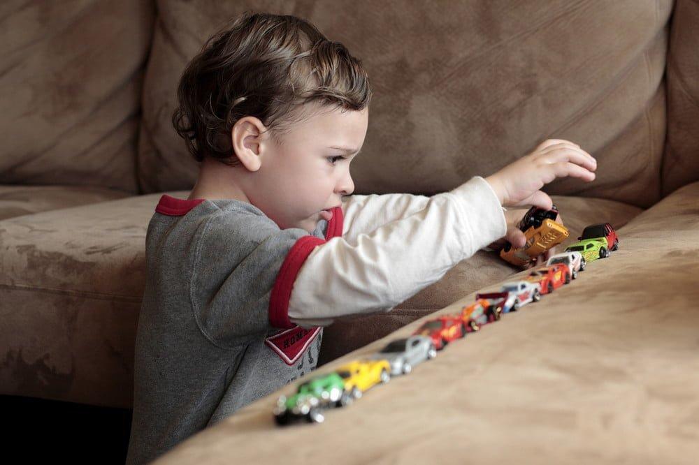 Воспитание и обучение аутичных детей