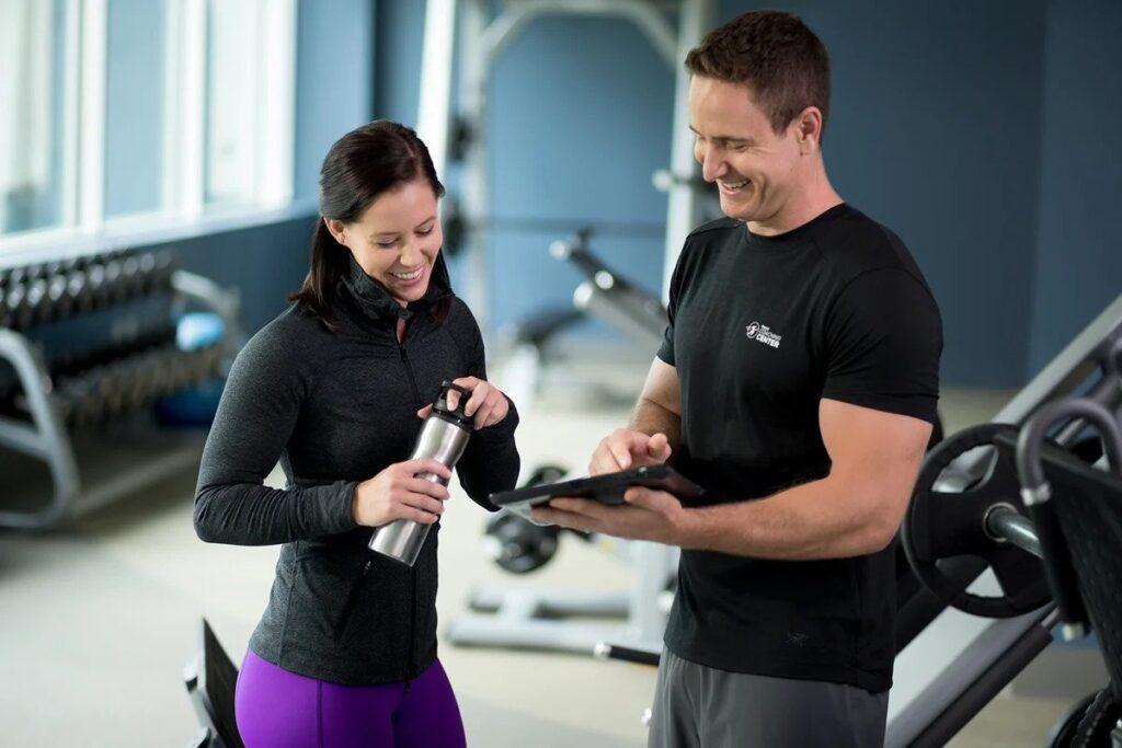 Фитнес-инструктор, фитнес-тренер
